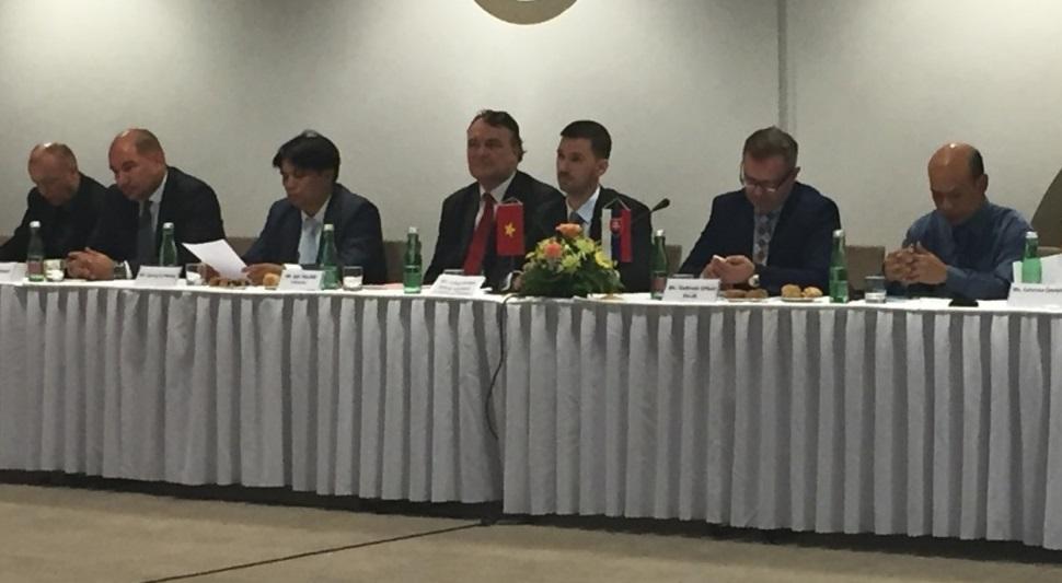zasadnutie vietnamsko- slovenskej spoločnej komisie pre hosporársku spoluprácu